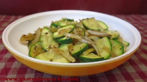 Salade cuite de courgettes croquantes
